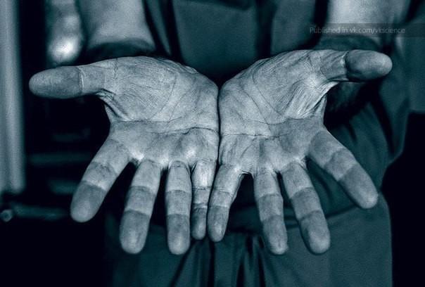 kaksin käsin  (1).jpg