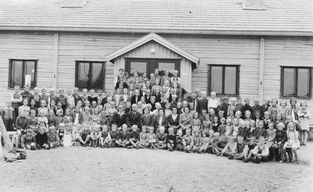 1951%20Koivistonluodon%20koulu%20oppilaa
