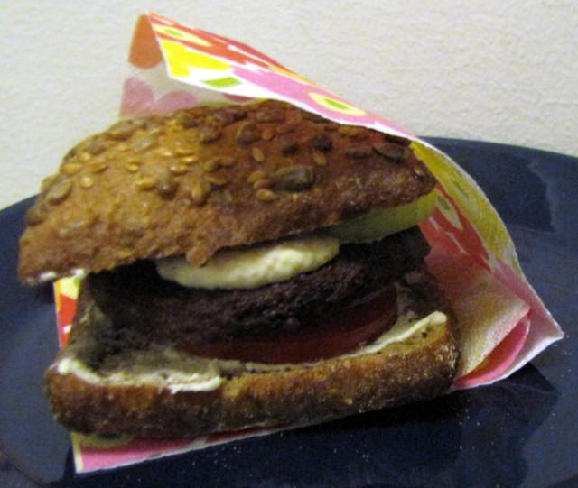 valmis%20burgeri-normal.jpg