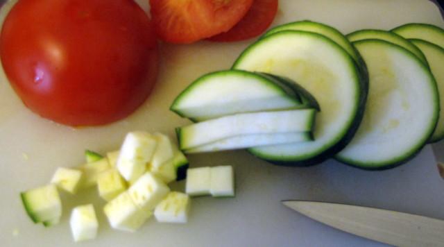 tomaatit%20ja%20kes%C3%A4kurpitsaa-norma