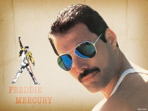 freddie-mercury-aurinkolaseissa-normal.j