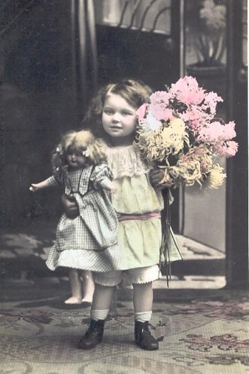 1910s_doll_flowers1-normal.jpg