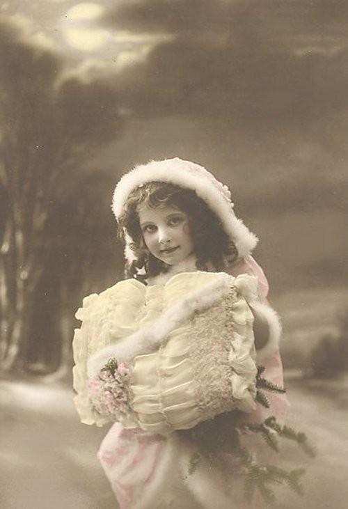 1910wow_muff-normal.jpg