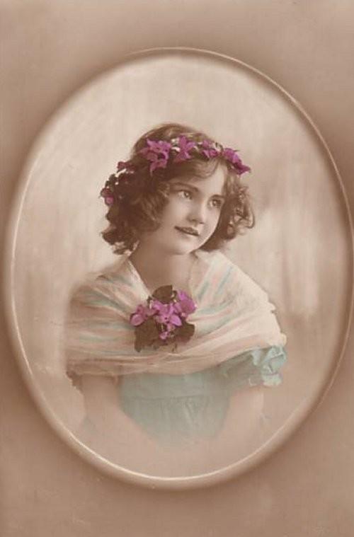 1915posies_oval-normal.jpg