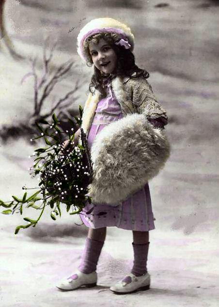 1915whitemuff-normal.jpg