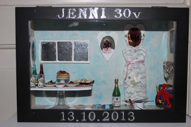 Jennin%2030v%20boxi%20001%20%E2%80%93%20