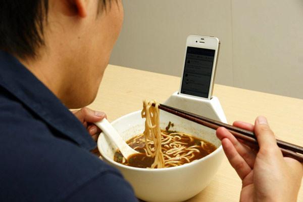 anti-loneliness-ramen-bowl-normal.jpg