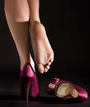 model-feet-heels_300-normal.jpg