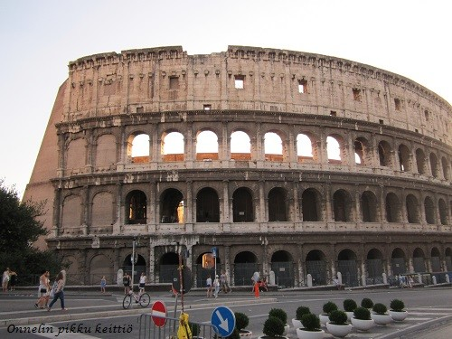 Colosseum-normal.jpg