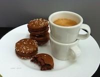kahvinmakuinen%20macaron%20.jpg