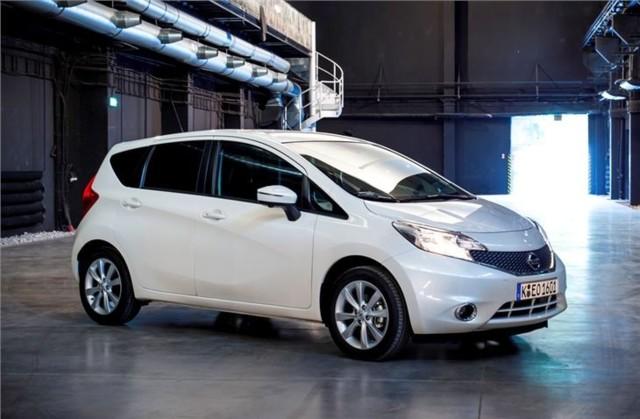 Nissan%20Note%202013%20%2822%29.jpg