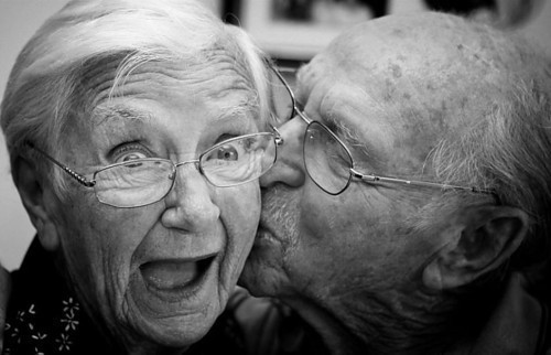 old-people-and-love.jpg