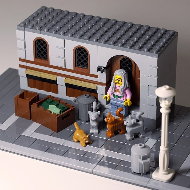 lego-cat-lady.jpg