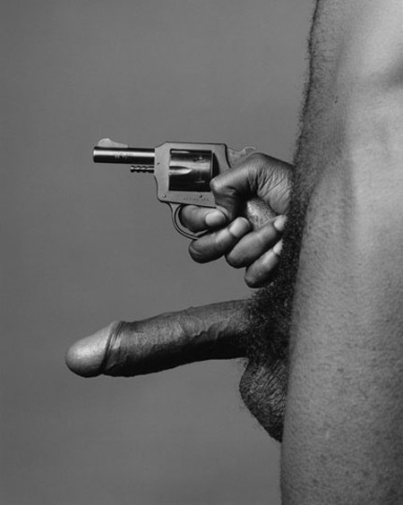 mapplethorpe_gun.jpg