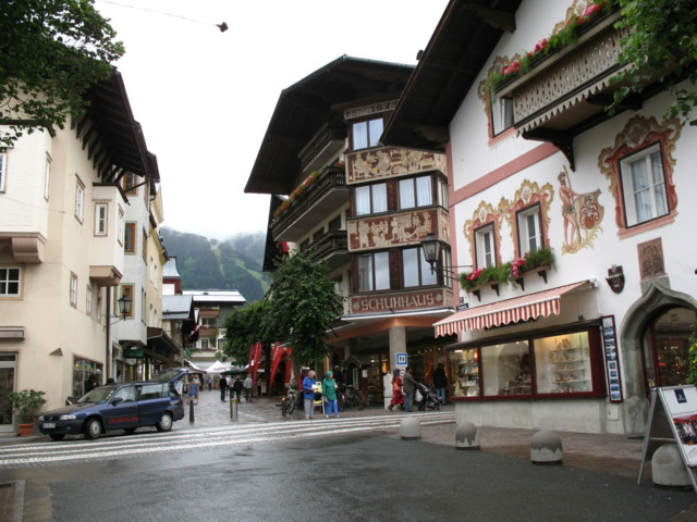 World___Austria_Walking_down_the_street_