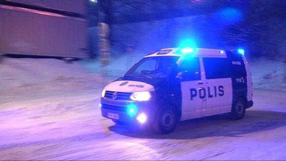 poliisiauto%20poliisi%20talvi%20h%C3%A4l