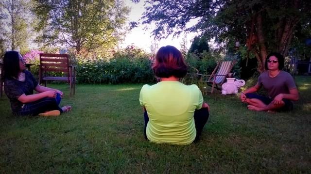 garden%20yoga.jpg