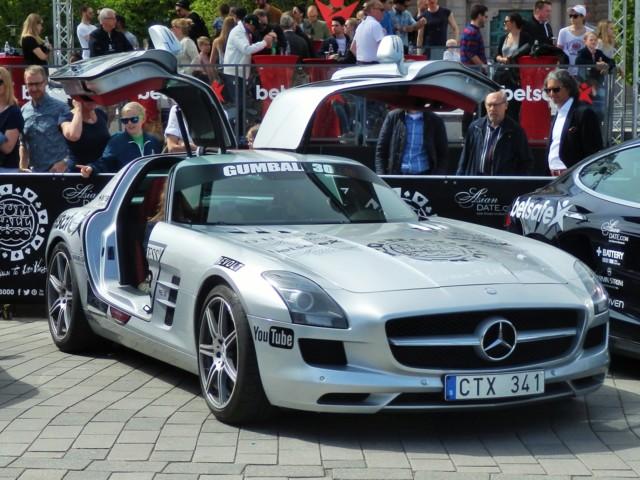 6%20Mercedes-Benz.jpg