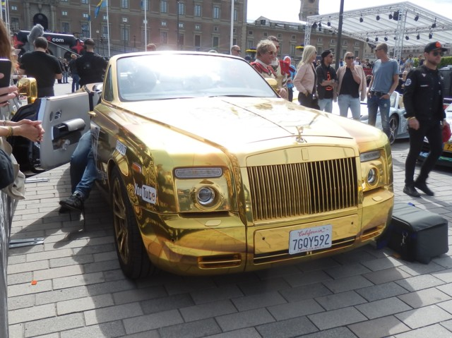 13%20Golden%20Rolls-Royce.jpg