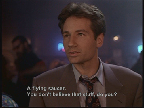 fox-mulder-flying-saucer.jpg