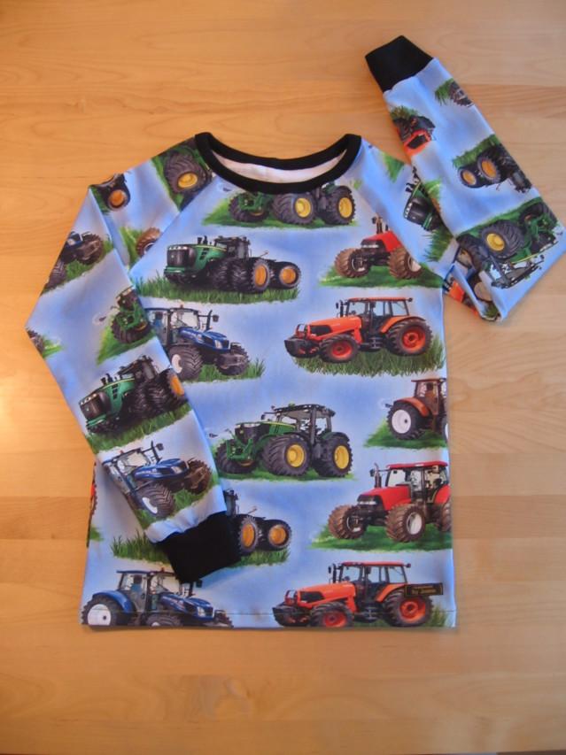 Traktoripaita.jpg