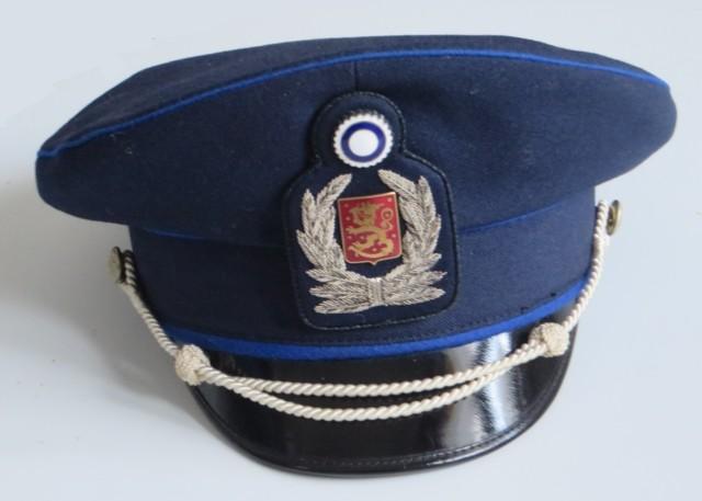 Poliisikomisarion%20virkalakki%20%28vorm