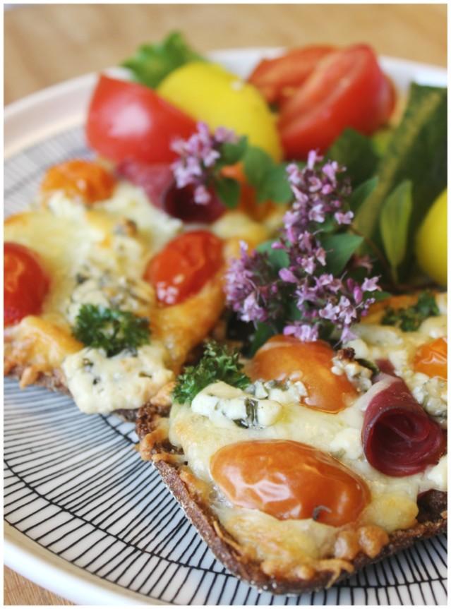 tomaattiset%20l%C3%A4mp%C3%B6iset%20leiv