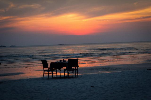 Sunset%20chairs.jpg