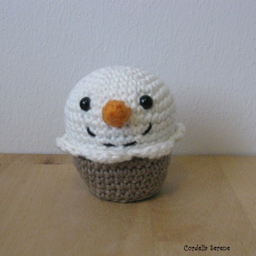 snowmancupcake9623.jpg