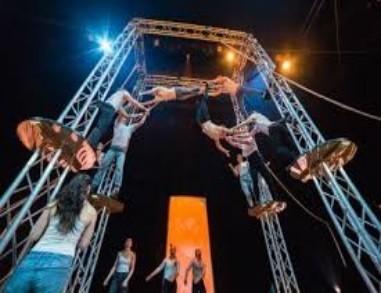 Sirkusakrobatia.jpg