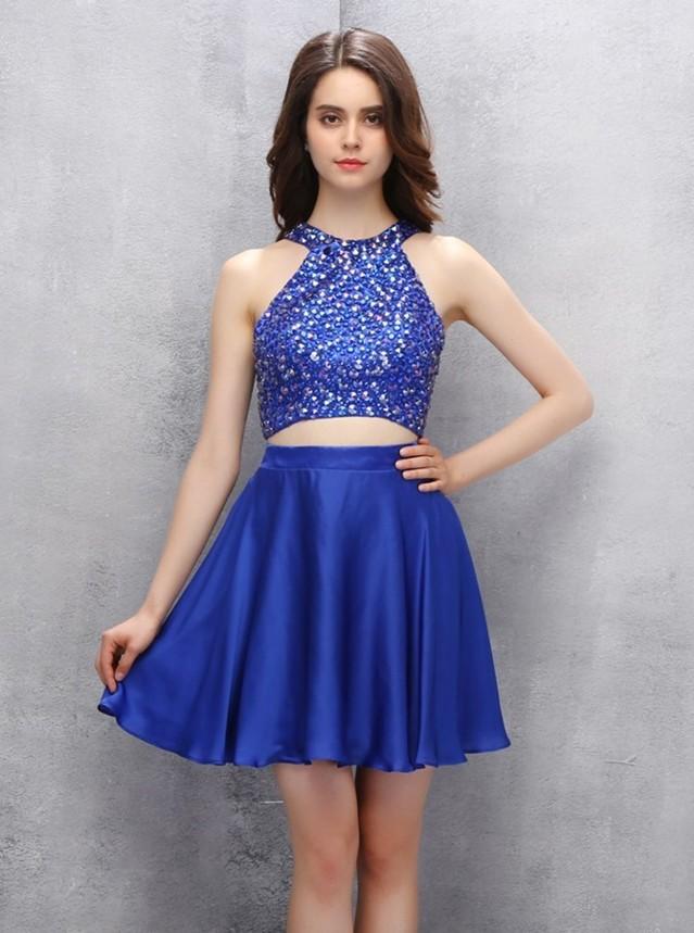 robe de soirée bleu courte deux pièce orné de strass