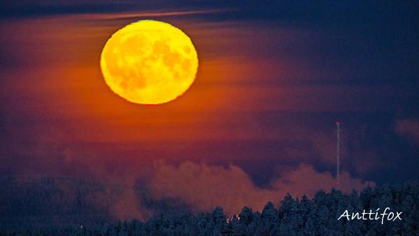 kuu_nousee_14112016_2_leiska.jpg