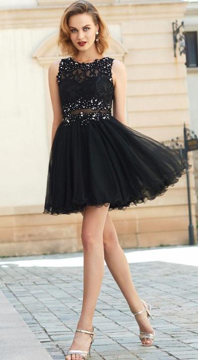 robe de soirée noire courte brodée dentelle ajourée