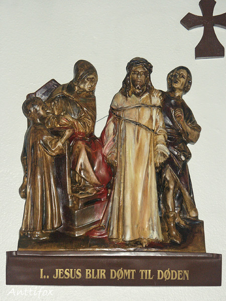 Ristintie_1_Jeesus_tuomitaan_kuolemaan_l