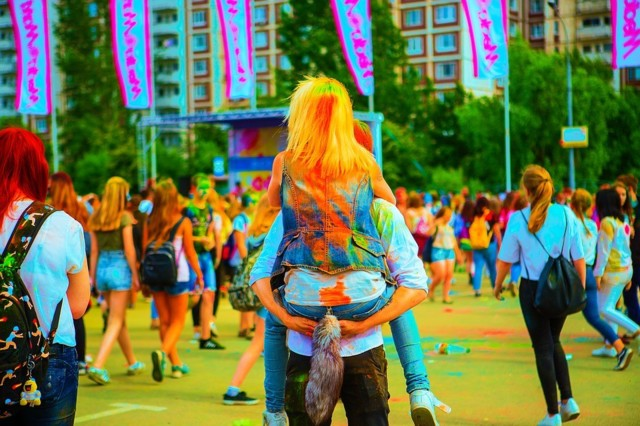 the-festival-of-colors-2475517_960_720.j