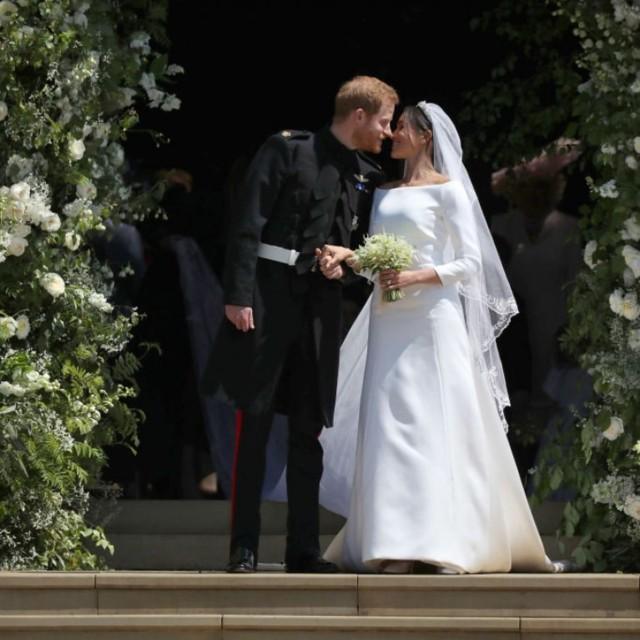 robe de mariée longue avec manche de Maghan