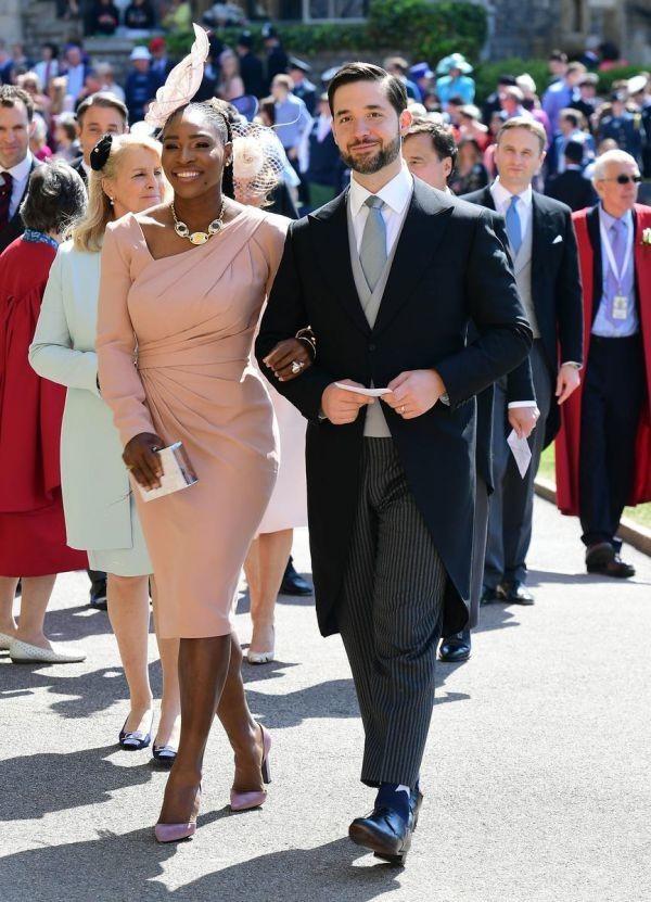 robe de soirée rose pour mariage à manche longue Serena Williams