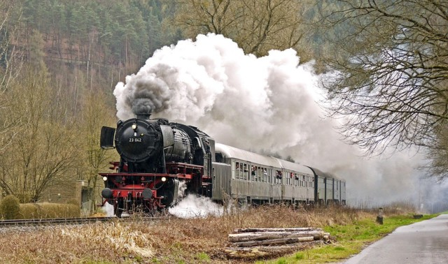 steam-train-1849291_960_720.jpg