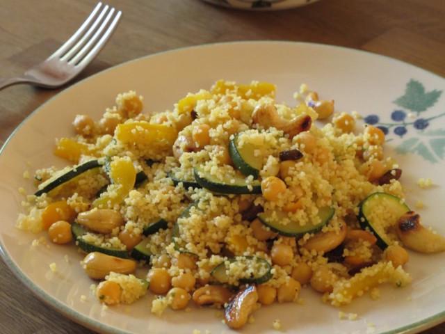 vegeruoka-2011-07-01-kikherne-cashew-2-8