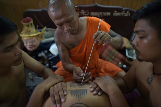 thai-monk-sak-yant-tattoo.jpg