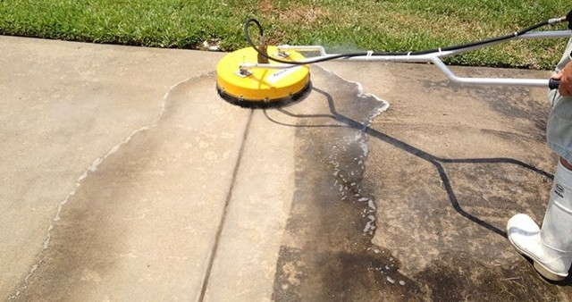 Driveway-Cleaning-by-WOW-Pressure-Washin