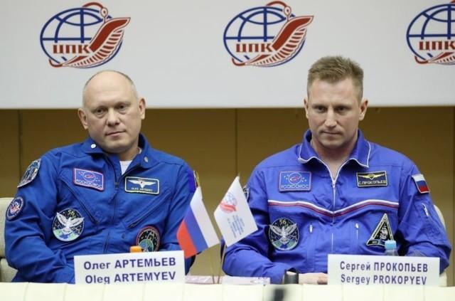 Cosmonauts-ISS-hole.jpg