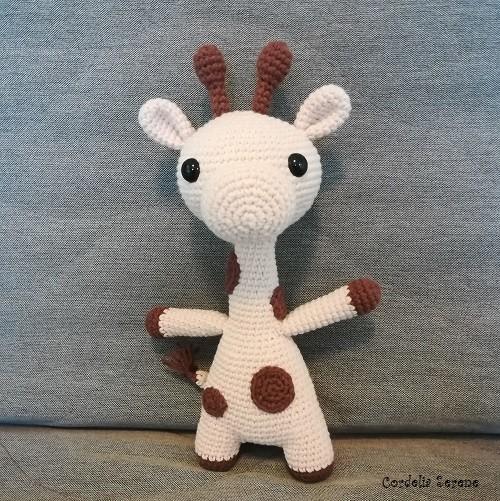 giraffe152525.jpg