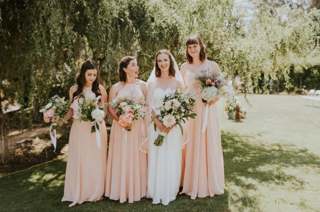 robes de demoiselle d'honneur rose longues simples