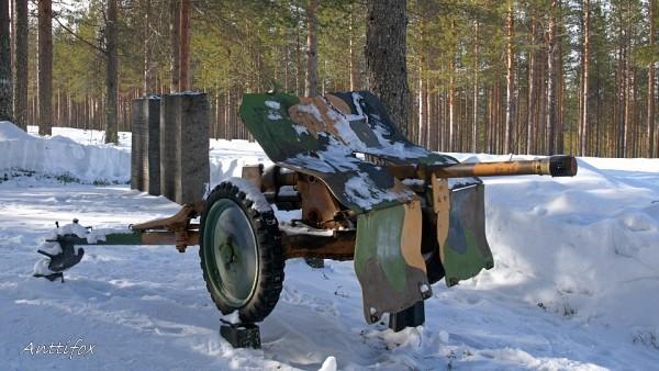pst_kanuuna_Bofors_37mm_malli_1939_leisk