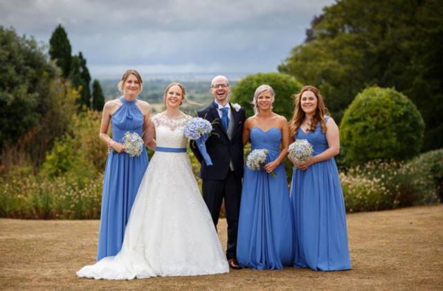 robes de demoiselle d'honneur bleu longues en différents styles