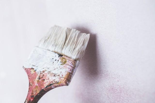 talon maalaaminen