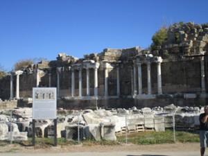 Apollon temppelin rauniot, Side.JPG