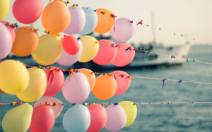 pastel-balloons-photography-wallpaper-3.jpg