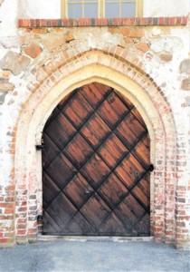 Sipoon vanhan kirkon ovi.jpg